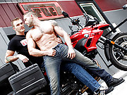 Two muscle bikers fucking doggys in the garage