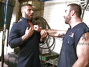 Muscle gay men Spencer Reed and Alex Marte fuck