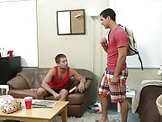 Two horny gay dudes suck and fuck in the dormitory
