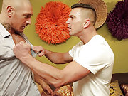 Muscle gay stud gets fucked by his horny neighbor